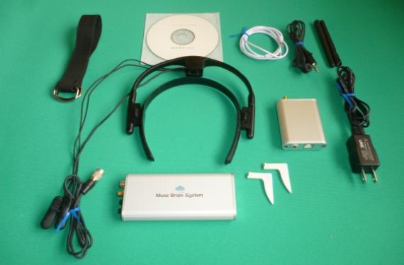 精度の高いポータブル脳波+心電計